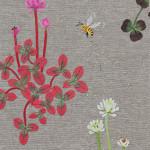 詰草と蜂 ーリネン・染和紙・刺繍糸・ビンテージビーズ ー